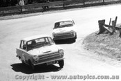 65736 -  A. Davis / P. Mander & P.Brown / R. Gulson  Ford Cortina GT 500   Bathurst 1965 - Photographer Bob Collinson