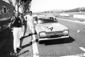 70791 - Carol Corness / Gloria Taylor Ford Escort 1300  -   Bathurst  1970