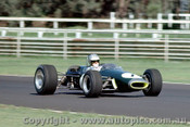 68565 - D. Hulme - Brabham Cosworth FVA 1600 Tasman Series - Warwick Farm Tasman Series 1968 - Photographer Richard Austin