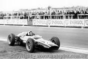 63534 -  Bruce McLaren Cooper- Sandown International -  11th  March 1963 - Photographer Peter D Abbs