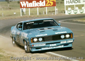 77767  - J. Goss / H. Pescarolo  Facon XC - Completed 113 Laps -  Bathurst 1977 - Photographer Lance J Ruting