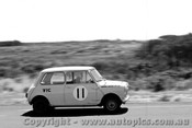 62011 - P. Manton Morris 850  - Phillip Island 29th January 1962 - Photographer Peter D Abbs