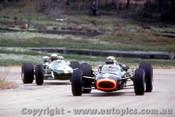 67572 - J. Stewart BRM / J. Brabham - Repco Brabham -  Tasman Series  Lakeside 1968 - Photographer John Stanley
