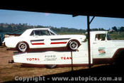 66053 - Ian  Pete  Geoghegan Ford Mustang and Transporter - Bathurst Easter 1966