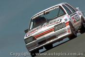 86768 - L. Perkins / D. Parsons - Commodore VK-  Bathurst 1986