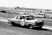 64075 -  F. Sutherland / A. Mottram -  Studebaker Lark - Sandown 6 Hour International  29th November 1964  - Photographer  Peter D Abbs