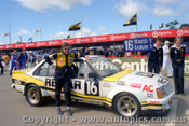 81761 - R. Wanless / R. Radburn  -  Holden Commodore VC  Bathurst  1981 - Photographer Lance J Ruting