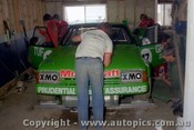 83764 - Rebuilding the XE Falcon after a crash in practice - Johnson / Bartlett -  Bathurst 1983 - Photographer Lance J Ruting