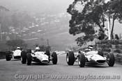 67576 - M. Stewart Rennmax / C. Bond Lynx Peugeot / G. Cusack Repco Brabham  - A very foggy Catalina 23th April 1968 - Photographer Lance J Ruting