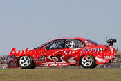 206025 - Todd Kelly - Holden Commodore VZ - Oran Park 13 th August 2006 - Photographer Jeremy Braithwaite