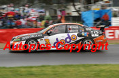 205731 - J. Richards / J. Whincup - Holden Commodore VZ - 2nd Outright Bathurst 2005 - Photographer Craig Clifford