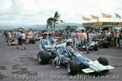71634 - Frank Matich - McLaren M10B - Surfers Paradise 1971 Tasman Series