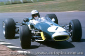 68595 - Denny Hulme - Brabham Cosworth FVA 1600 Tasman Series - Warwick Farm Tasman Series 1968 - Photographer Lance J Ruting