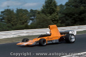 77637 - Peter Edwards lola T332  -  Sandown 1977 - Photographer Adrien Schagen