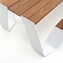 Extremis Hopper Table