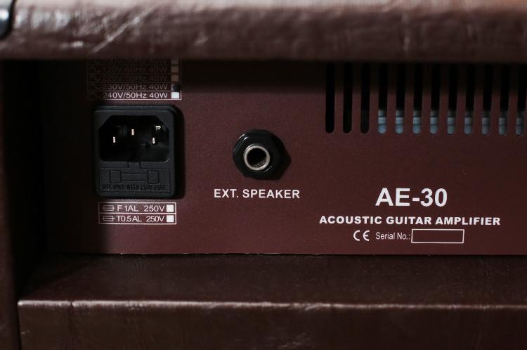 e-wave-ae-30-acoustic-guitar-amp-5.jpg