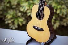 M.Tyler Guitars U-C101 EQ Concert Ukulele