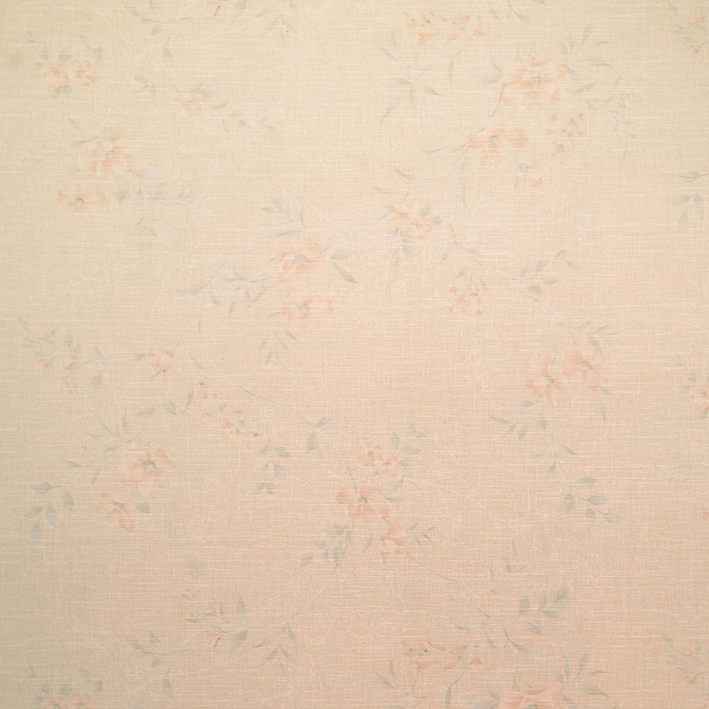 Wallpaper-like paneling with multiple flower colors