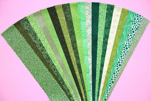 "Tropical Green Fabric Jelly Roll Strip Pack -20 Strips, Die Cut, No Duplicates. 100% top quality cotton fabric. 20 Different fabrics, 1 strip of each. Strips measure 2.5"" x width of fabric (42/44"" approx). Strips are folded and shipped flat."