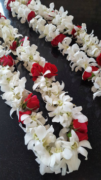 ORCHID LEI WITH ROSE ACCENT