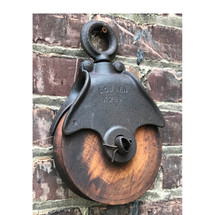 A17113 - Antique Pulley