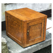 A17053 - Antique Oak Tabletop Humidor with Milk Glass Liner