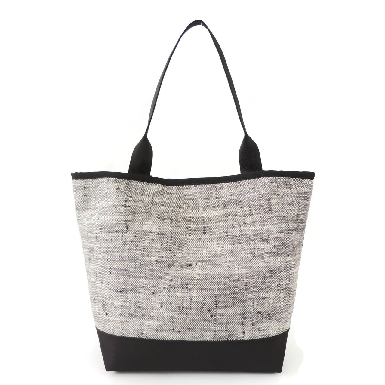Signature Tote in Beckett