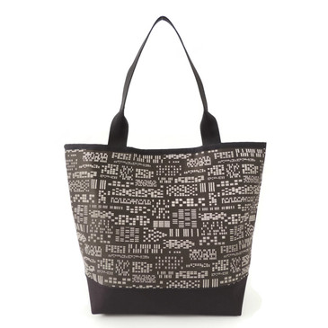 Signature Tote in Essex