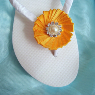 White and Amber Yellow Bridal Flip Flops / Wedding Flip Flops / Bridesmaid , Bridal Shower, Flower Girl, Birthday Party, Favor