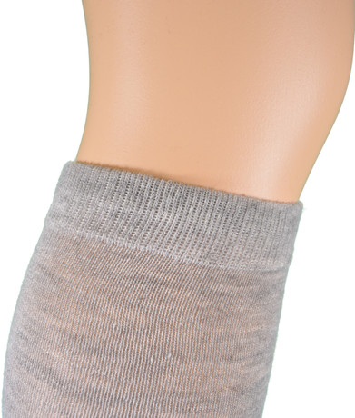 http://d3d71ba2asa5oz.cloudfront.net/12001231/images/12_pairs_solid%20_knee_highs_assorted_8.jpg
