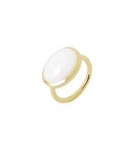 OVAL WHITE QUARTZ RING - GOLD