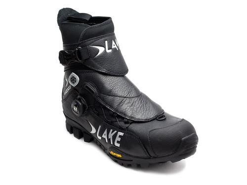 Lake MXZ303-X Wide Winter Mountain Bike Shoe Front Right