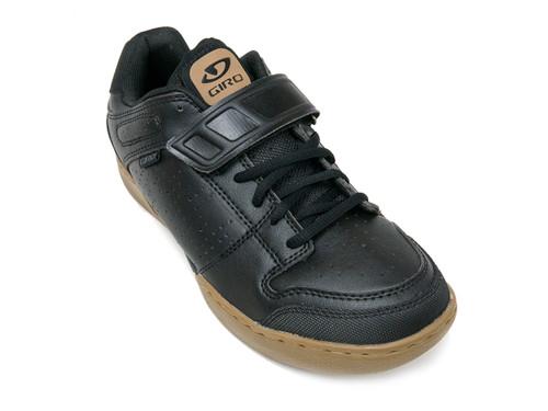 Giro Chamber Men's Mountain Shoe Front Right - Black Gum
