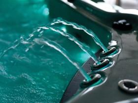 relax-in-crystal-clear-chlorine-free-water-.jpg