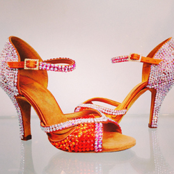 A stunning pair of stoned 'Bianca' shoes with an 'LTB' back!