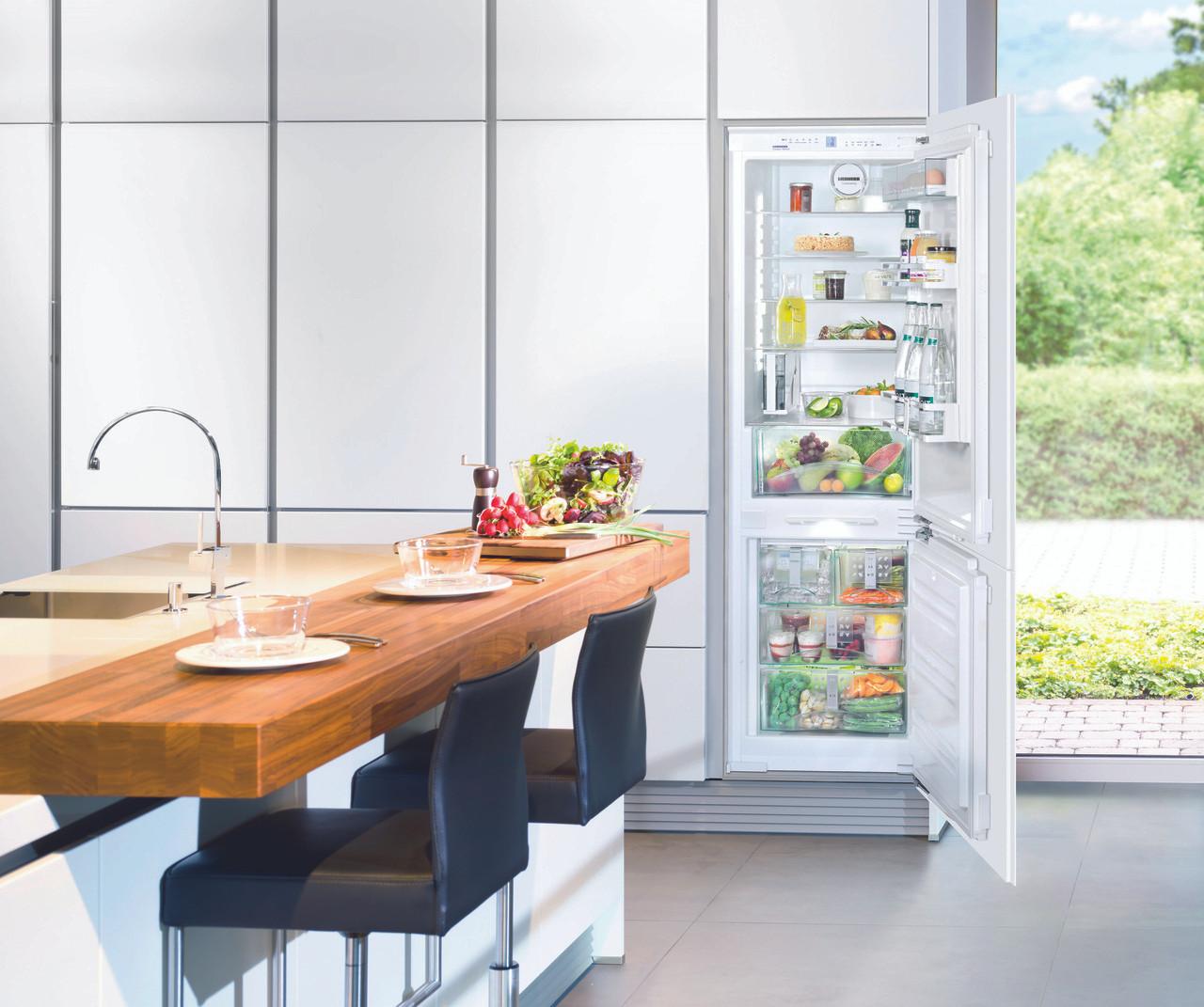 Liebherr 279l Integrated Fridge Freezer With Ice Maker Sicn3366 Berloni Appliances