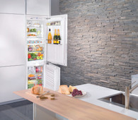 LIEBHERR 279L INTEGRATED FRIDGE/FREEZER WITH BIOFRESH & ICEMAKER - SICBN3366