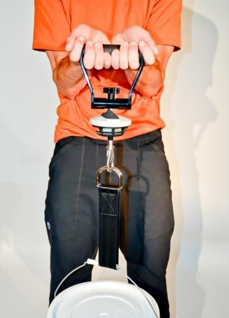 Ergofet 300 lb push pull force gauge in use
