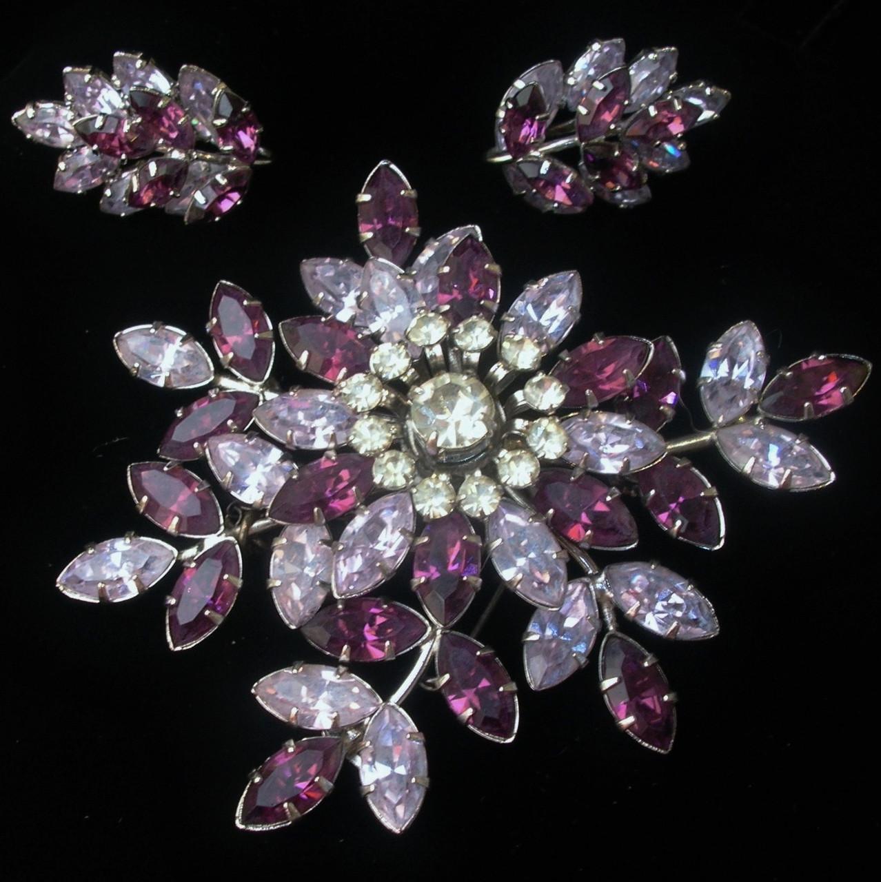 Vintage Australian Jewelcrest Costume Jewellery At