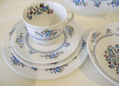 Royal Doulton Plymouth Dinner set for 12 people