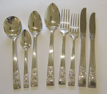 Vintage Hampton Court Coronation Oneida Community Silver Plate Cutlery Set 44 Piece 6 Person