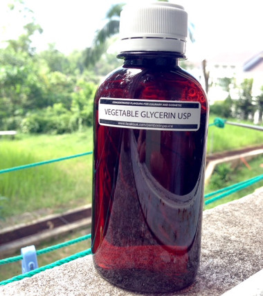 100% Pure Vegetable Glycerin: Re-bottled from VG Liquid USP Kosher Certified  For an e-liquid base that is plant-based, we recommend 100% pure vegetable glycerin. This VG liquid is super thick and produces tons of vapor. Food grade vegetable glycerin as offered below can not only be used for e-liquid, but also for cosmetics and sweeteners. 100% pure vegetable glycerin will not only create more smoke than propylene glycol, it is perfect for vapers that are allergic to PG.   At The Flavourist Kuala Lumpur, you will find vegetable glycerin at the lowest price. When you buy vegetable glycerin from us, you are also getting the highest quality customer service.  For the lowest priced USP vegetable glycerin matched with the best service, shop at The Flavourist Kuala Lumpur today!