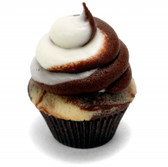 "Vanilla Swirl Flavor This is our vanilla custard flavor that has had the ""Custard Notes"" removed. It is a very useful vanilla, good on it's own, or used in blends  Ingredients: Artificial Flavors, Propylene Glycol,Water  Water Soluble"