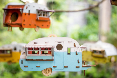 Vintage Camper Birdhouse. Scale model playset you can build and use! Bring back the love of travel and camping with a miniature trailer.
