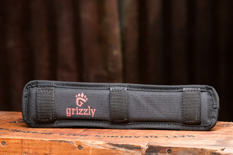 The Wild Grizzly Super Padded Shoulder Pad fits easily on to any shoulder strap of any bag to reduce the stress of carrying a heavy bag.