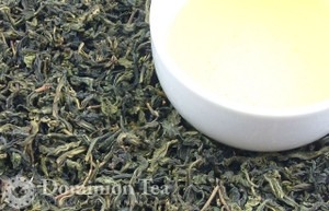 Wen Shan (Bao Zhong) Oolong Tea Dry Leaf and Liquor