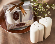 Wedding Favors - Artisano Designs Hearts Entwined Salt & Pepper Shakers. Salt and Pepper Shakers to make your day special.