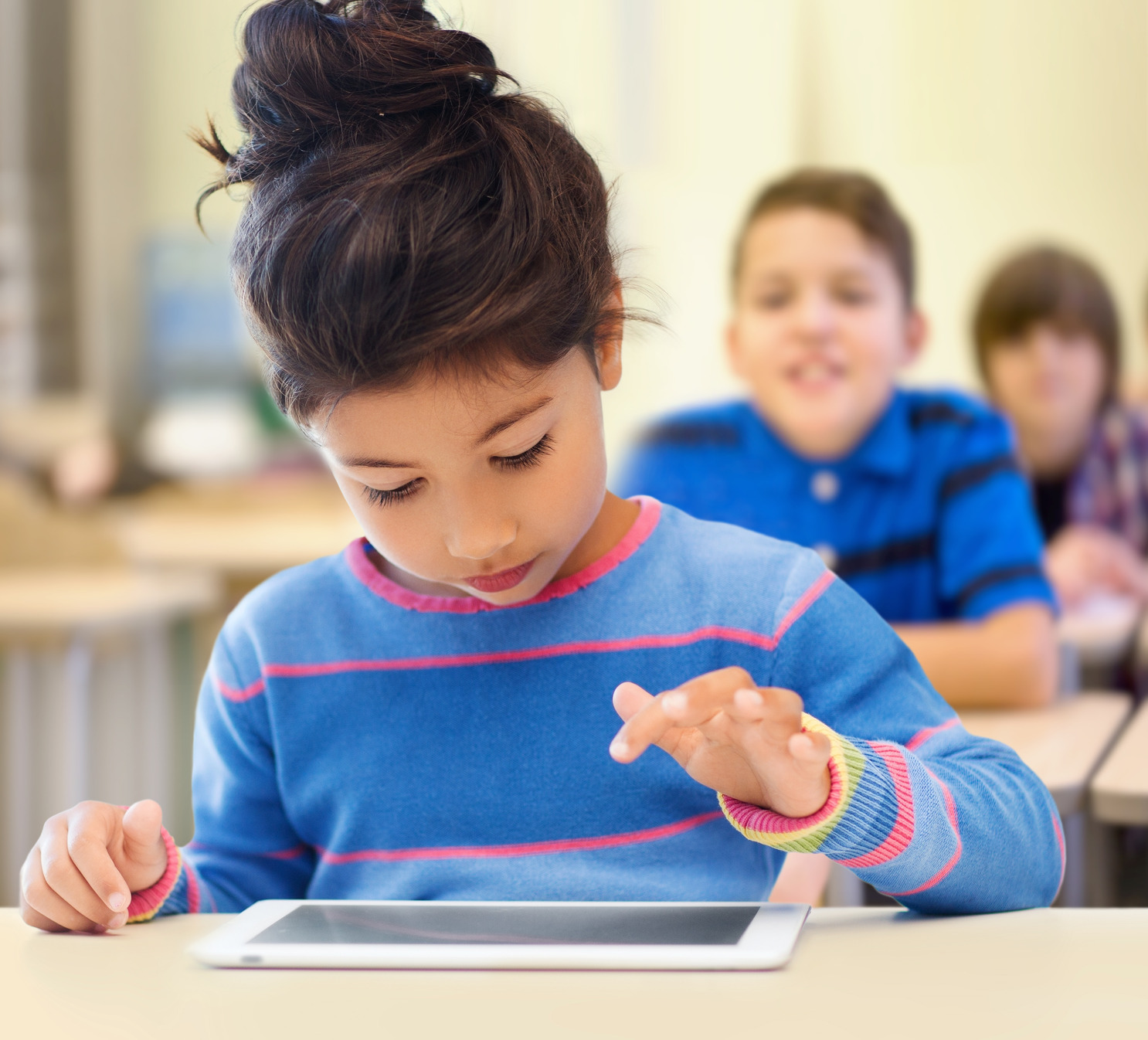 Using Technology to Motivate Students to Learn Social ...