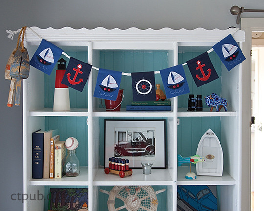 Seaside Home: 25 Stitched Projects from Sea Creatures to Sailboats from Design Collective