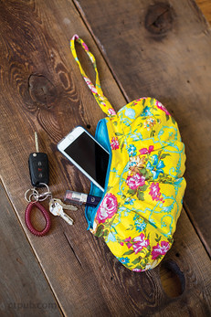 Gathered Zipper Pouches Free Project